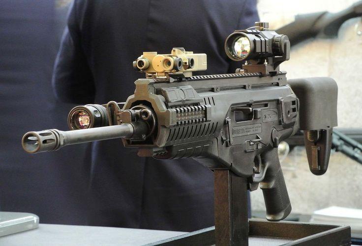 """El ARX-160 fue desarrollado por la fabrica de armas Beretta para cumplir con los requerimientos del programa """"Soldado del Futuro"""" del ejército de la República de Italia. Estos requerimientos establecen que el fusil debe poder adaptarse fácilmente a..."""