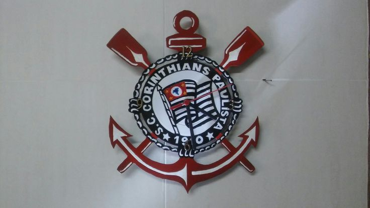 Relógio de disco de vinil Corinthians vazado e pintado com aerografia #artemvinil #artes #artesanato #relogiodediscodevinil #art