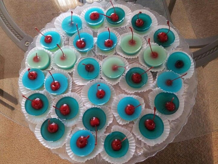 Jolly rancher jello shots #madebycandice blue raspberry and green apple  with UV white coconut rum