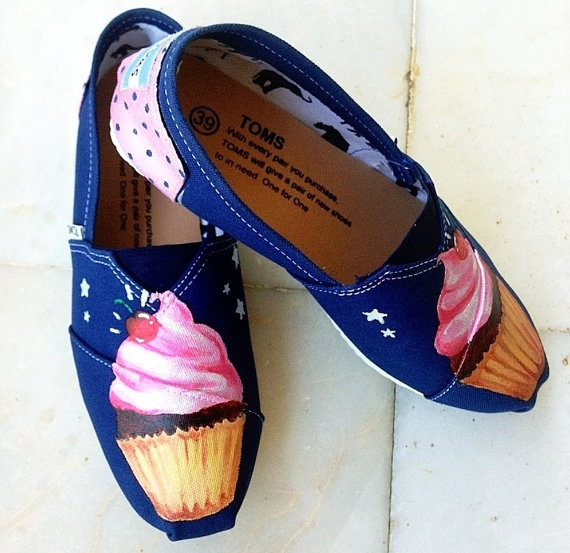 Cupcake Toms- Cupcake Themed Custom Handpainted TOMS Shoes via Etsy