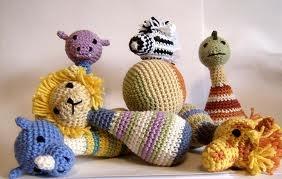 Bellos muñecos al crochet