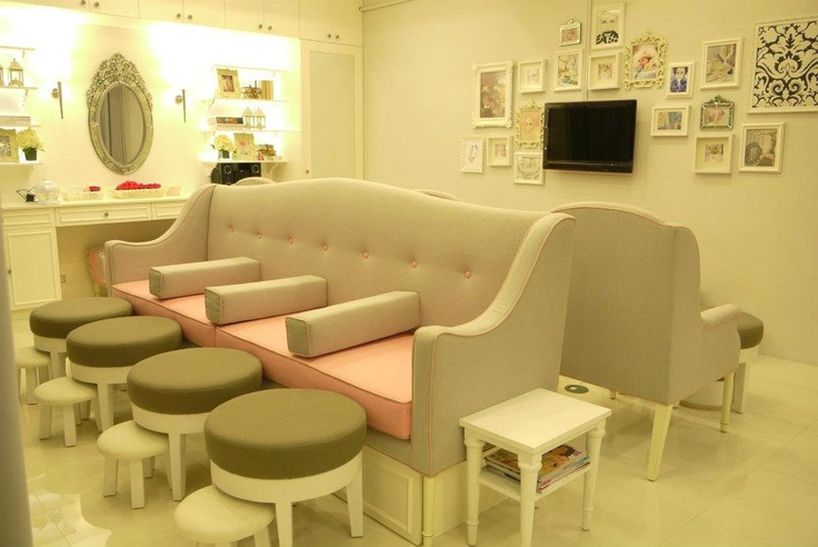 nail salon and dry bar at lee gardens shaw blvd.