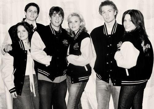Cast of One Tree Hill, so sad they are so young!!