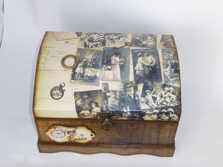 O baú resgatado dos tempos medievais, minimizado e lindamente decorado para oferecer um objeto de decoração e também, guardar os seus objetos queridos.  Modelo Baú utilizando a técnica Decoupage.