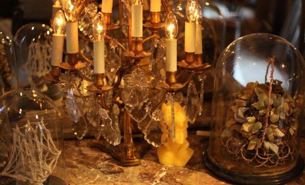 Luxurious Villa Qatar gorgeous marble columns, gold candles