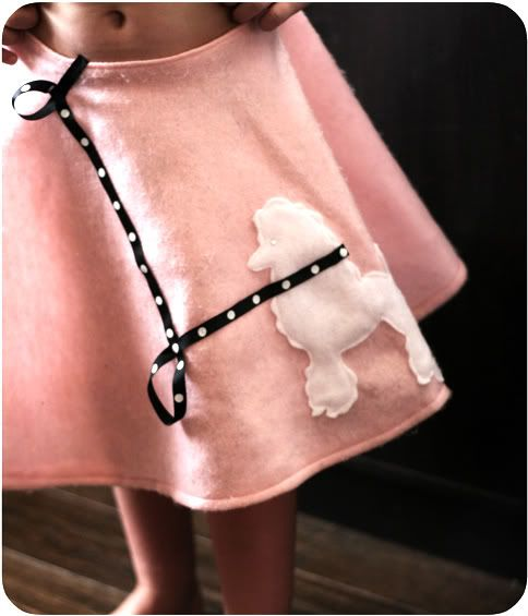 Last Minute Costume – Easy Poodle Skirt | Prudent Baby