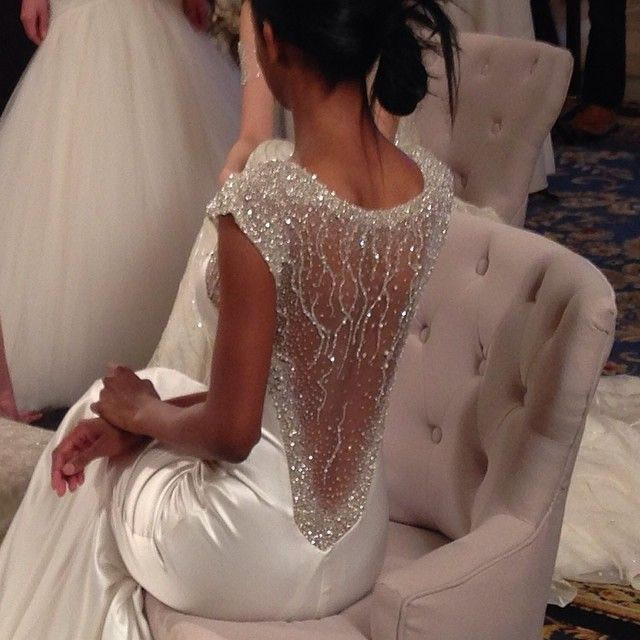 Drop-dead GORGEOUS back at Anne Bowen