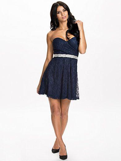 Oneness Lace Flirty Dress 37,95 €