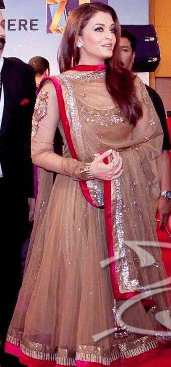 Aishwarya Rai, anarkali suit...This is what you call rocking a anarkali!