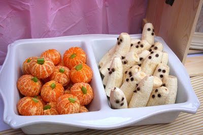 Pumpkins (tangerines and celery) and ghosts (bananas and chocolate chips or raisins) {1st birthday party, pumpkin patch, October baby}