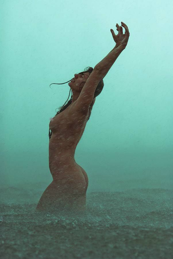 Videos Of Women Naked In The Rain 10