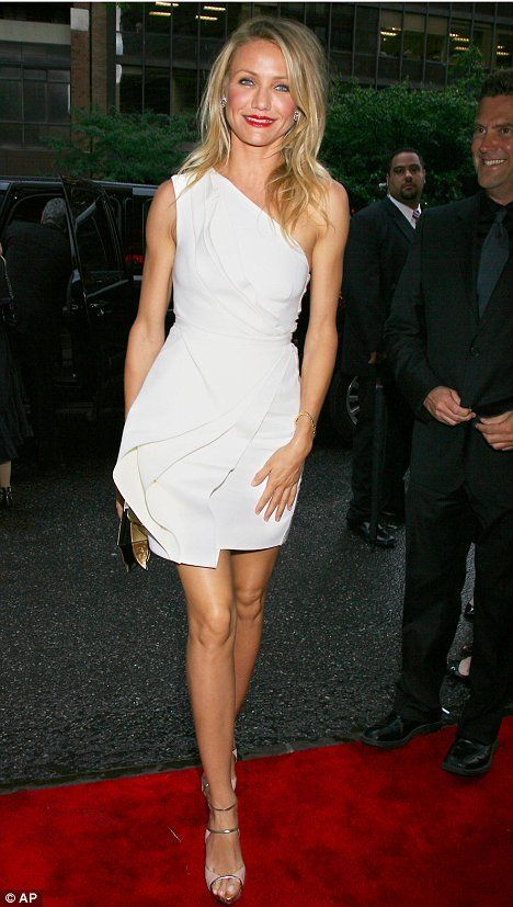 "Cameron Diaz in J. Mendel Resort 2010 at the N.Y. premiere of ""My Sister's Keeper"", Jun 2009"