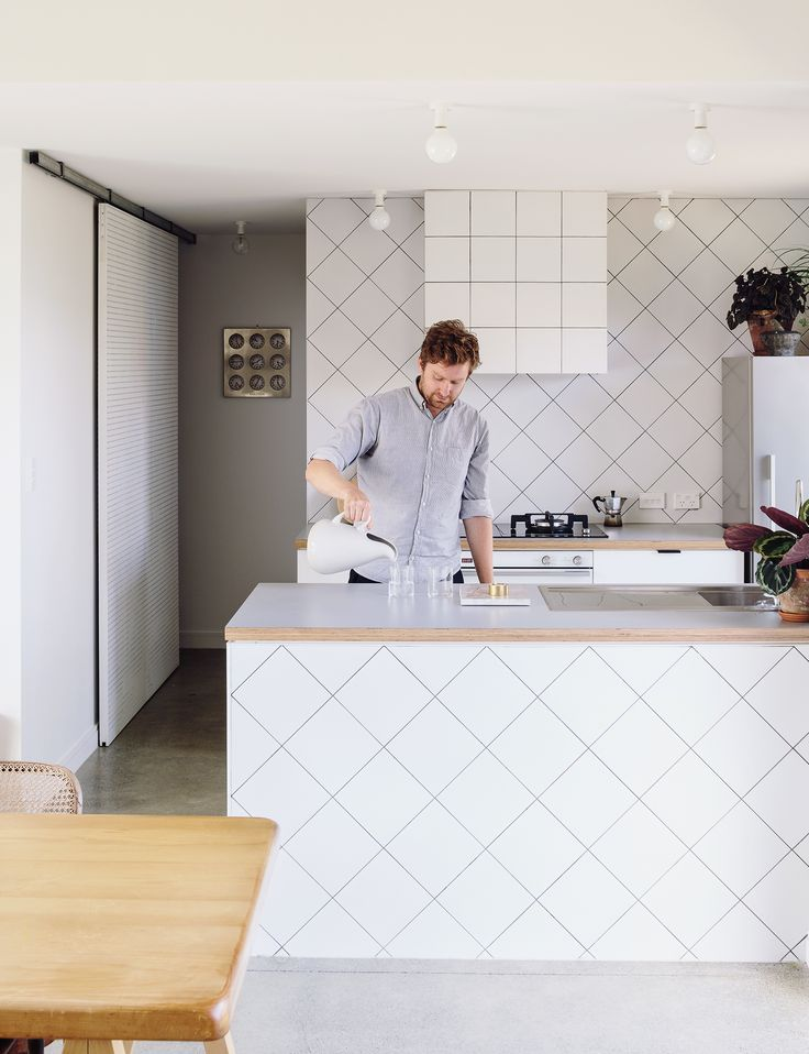 Kitchen style on a budget: Q&A with architect Henri Sayes of Sayes Studio - Homes To Love