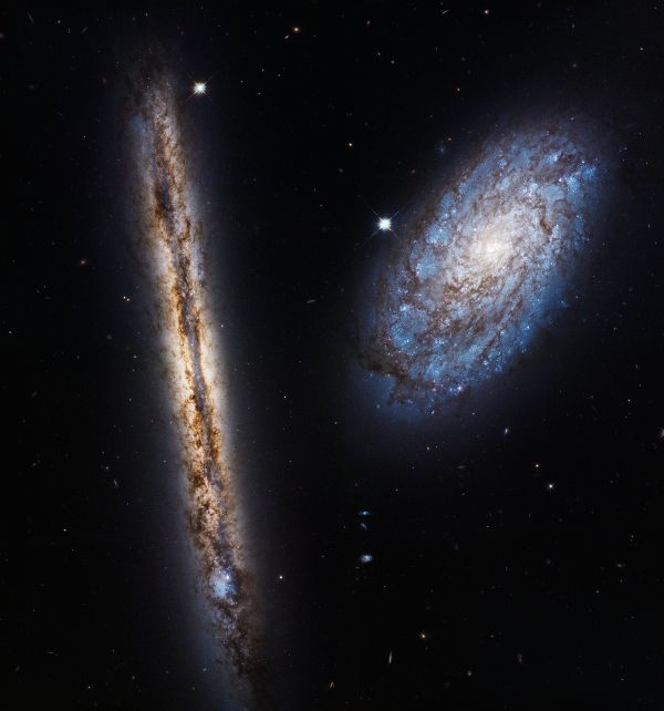 ESA Science & Technology: Hubble celebrates 27 years with two close friends [heic1709]