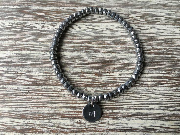 Initialen+Armband+mit+Hematit+Perlen+von++Rogarii+♡++auf+DaWanda.com