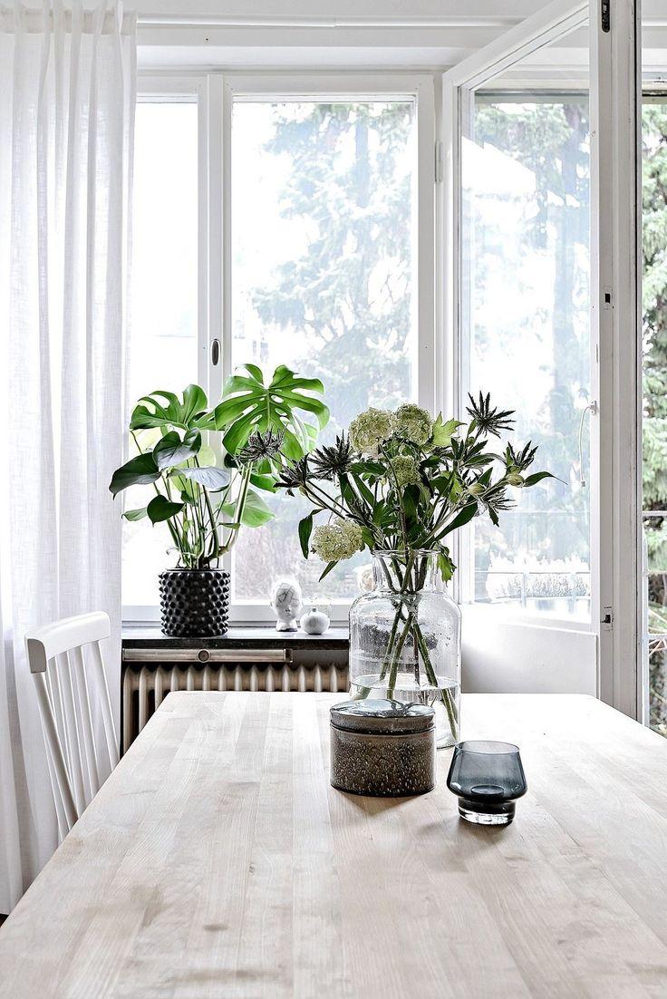 Generösa fönsterpartier med grönskande utsikt. Eklandagatan 45A - Bjurfors