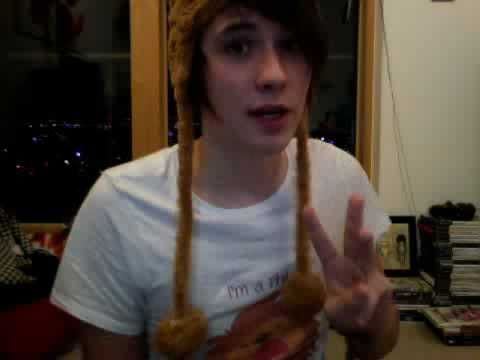 danisnotonfire sings The Llama Song. LLAMACEPTION His voice is beautiful and he can sing fairly high for a male