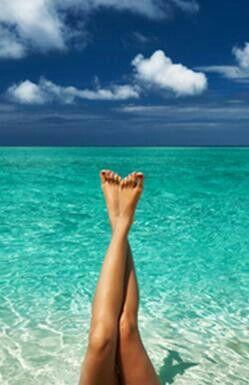 La combinacion perfecta, Piernas depiladas sedosas y la Playa.   The Perfect Combination Silky Shaved Leg's and The Beach.