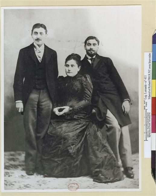 Jeanne Proust et ses fils Marcel et Robert, 1896?--Réunion des Musées Nationaux-Grand Palais -