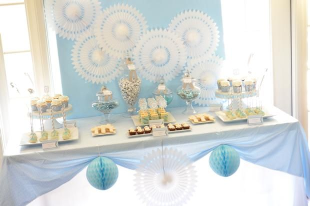 Una preciosa mesa de dulces para una fiesta primera comunión / A lovely sweet table for a First Communion party