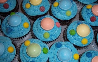space cupcakes for a space themed bday party