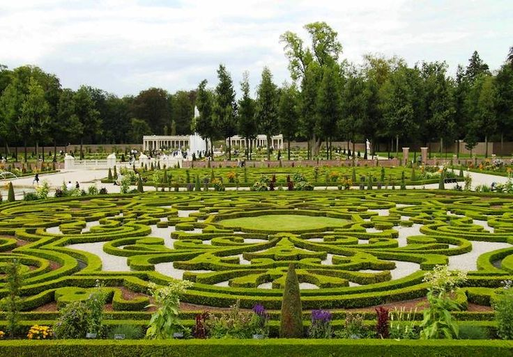 25 best ideas about most beautiful gardens on pinterest for Most beautiful garden trees