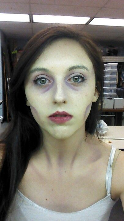 Vampire makeup ~ Kimmie!  You rock, Chicklet!