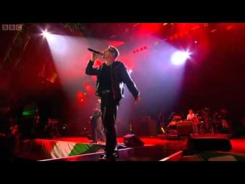 U2 Glastonbury LIVE 2011[FULL CONCERT]. Edge speaking in the beginning...adorable!