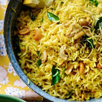 Lemon Rice with Cashews, Peas, Ghee & Cumin - Ayurvedic Diet & Recipes http://www.shivohamyoga.nl #health #food #ayurvedic