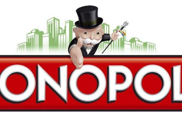 Il Monopoly compie 80 anni! 9 curiosità sul gioco! Il gioco da tavolo più famoso al mondo compie 80 anni. Il Monopoly è stato messo in vendita nel lontano 1935 ma l'idea originale del gioco risale al 1904. La versione del 1904 era un sorta di gioco e #monopoly #anniversario #storia