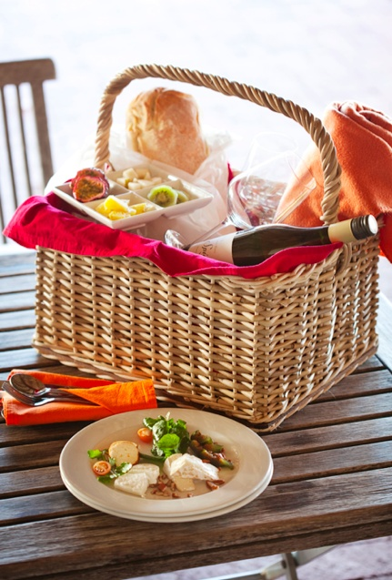 Our picnic baskets for two to share contain fresh, farm-made produces from starter to dessert. Each basket includes 1 bottle of still or sparkling water and 1 bottle of Spice Route Sauvignon Blanc or Spice Route Mourvèdre.