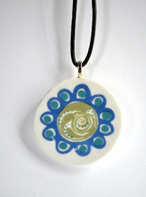 Porselens anheng - Figgjo Turi Porselen pendant http://epla.no/shops/avsusanne/