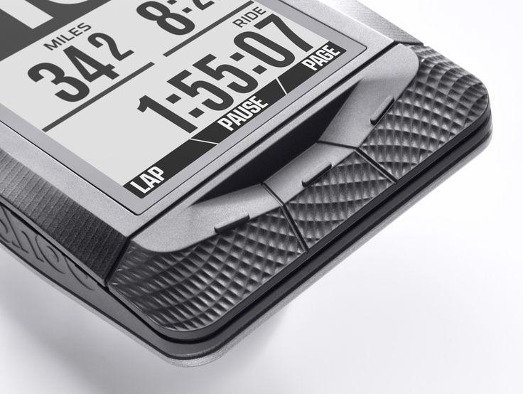 Wahoo Fitness ELEMNT - GPS Fahrrad-Computer Viel mehr als Sie erwarten... Wahoo Fitness durchbricht die GPS-Fahrradcomputer-Stereotypen! Ausgerüstet mit Bluetooth Smart und ANT  Dual-Band-Technologie verbindet sich der ELEMNT nahtlos mit allen Ihren Fahrradsensoren wie Speed- und Cadence-Sensoren.