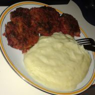 Fotografie receptu: Vege karbanátky z červené řepy