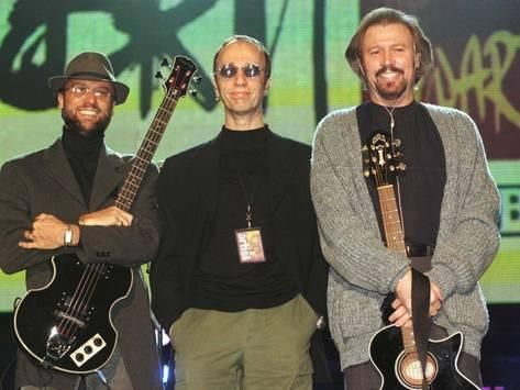 The Bee Gees at Brit Music Awards at Earls Court Where They Received Award Fotografie-Druck bei AllPosters.de