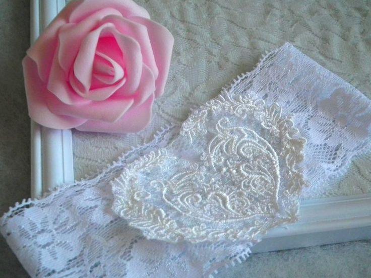 Hímzett szíves esküvői combcsipke, legényfogó - wedding garter, heart embroidery