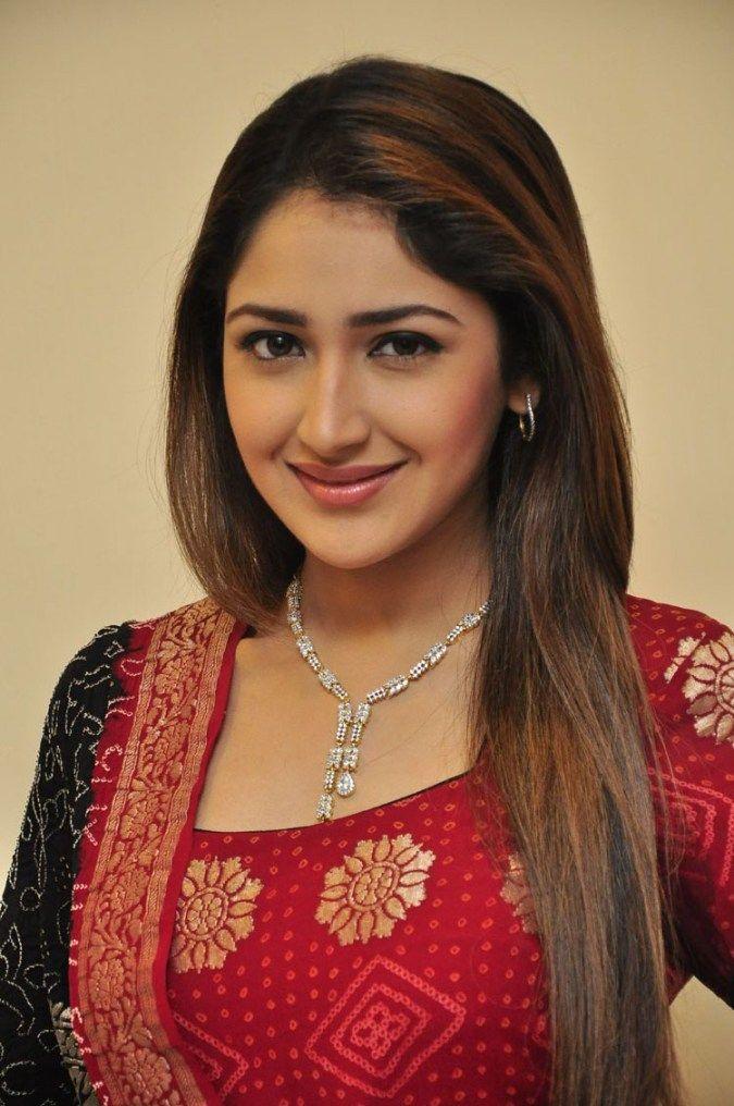 cool Actress Sayesha Saigal latest stills