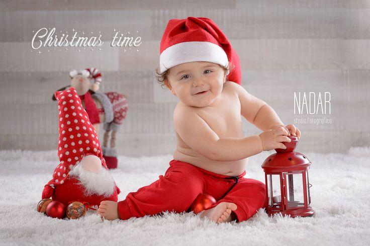Christmas baby photography,baby book , baby portrait, baby photography idea, www.studionadar.it