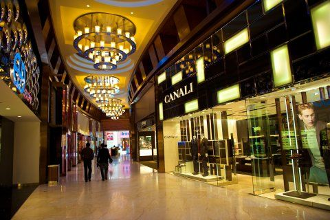 Shopping in Resorts World Sentosa