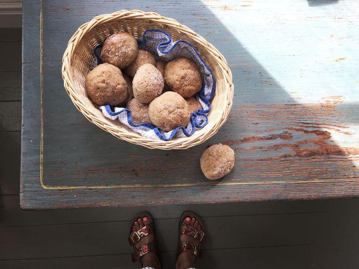 Glutenfria bovetefrallor med fem ingredienser. SÅ goda! Påminner om mormors grahamsbullar <3 Gräddade dem i 47 min så det ger ett hum om gräddningstid :)