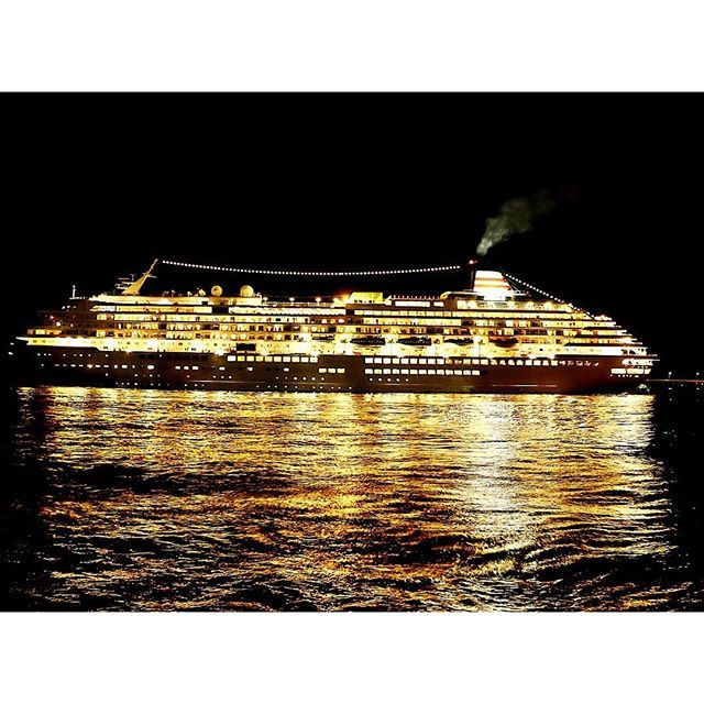 """6/23金沢港より 飛鳥クルーズ """"飛鳥Ⅱ""""  #amazing #beautiful #gold #golden #ocean #sea #ship #cruise #cruiser #night #shiki #location #金沢港 #飛鳥ⅱ #金色 #夜景 #客船 #海 #夜 #旅 2016/06/24 07:15:40"""
