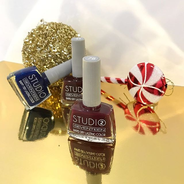 You should try these Studio Rapid Dry Lasting Colors on your nails during the Christmas season!  #seventeencosmetics #manicure #nails #nailstagram #theartofbeauty