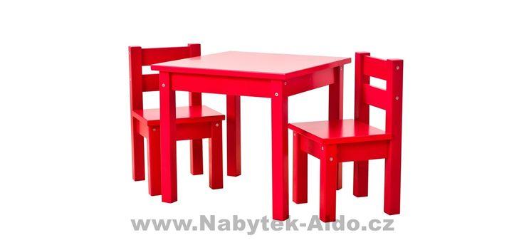 Červený dětský stolek s židlemi z masivu