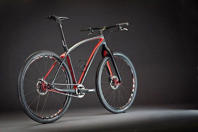 Daily Bike: The carbon 29er single speed you've been waiting for. It's okay to drool. http://adv-jour.nl/UHI5rJ