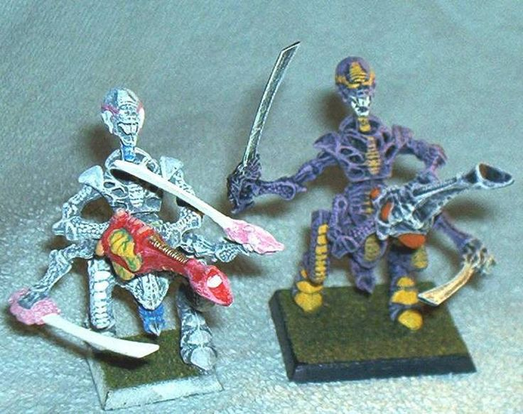 """2pc. WARHAMMER 40K, Tyranid WARRIORS, collector painted and assembled, Plastic Figures, approximately 2.5"""", Games Workshop, Exc. by brotoys1 on Etsy"""