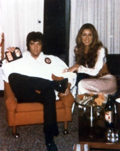 Elvis and Linda Thompson at their Hotel suite in Atlanta, GA.