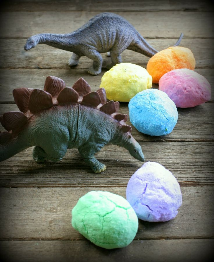 DIY Bath Bombs: Magic Hatching Dinosaur Eggs from Fun at Home with Kids  No vinegar needed!!!