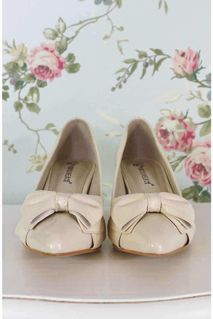 Shopping Online at Vintage Rose, boutique womans fashion store for shoes, heels and accessories.   This is a Church Lane Store., Chantilly Bow Heel