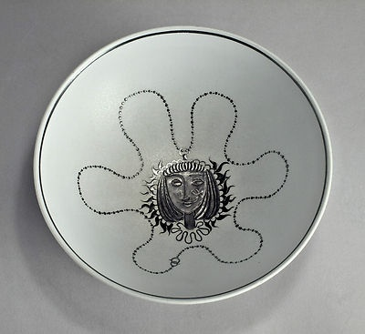 unusual Stig Lindberg design; it is a pattern of a necklace