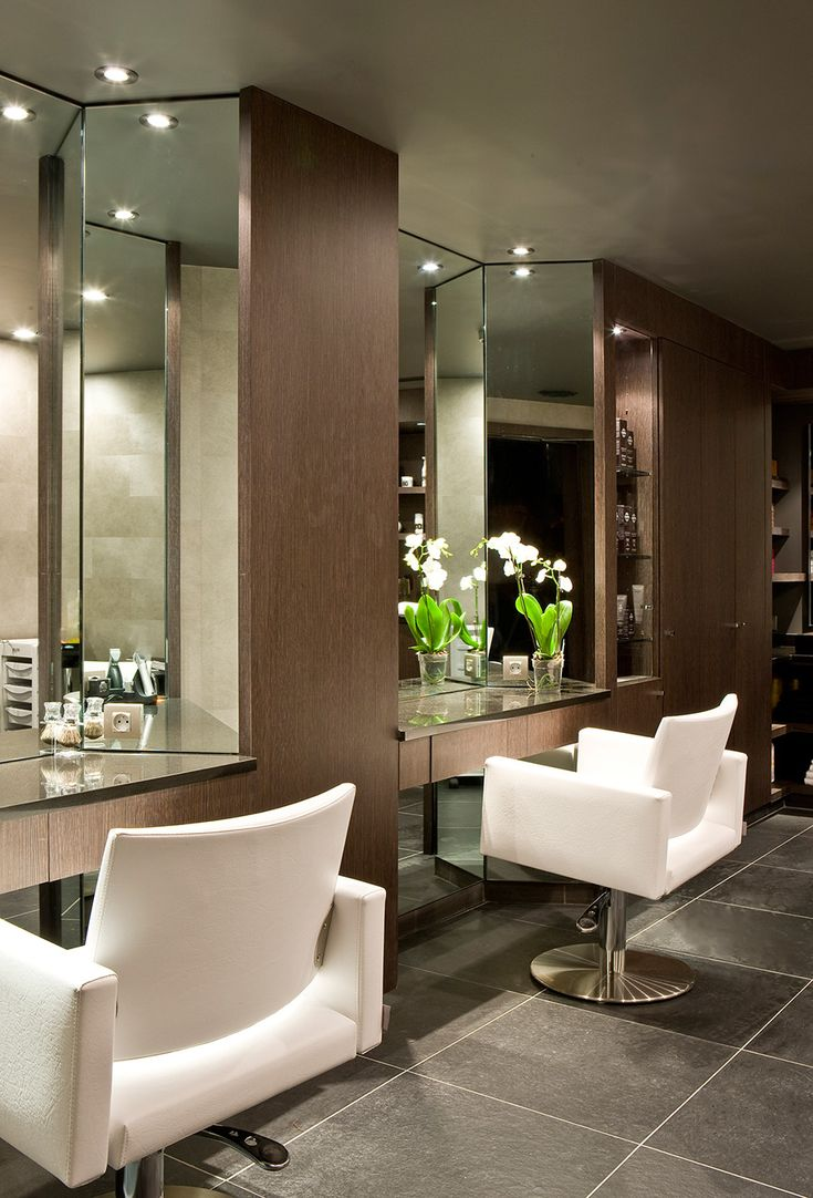 "Cute place to do hair in a ""at home salon"" love how chic this looks"